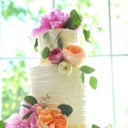 wedding cake with real flowers 062112