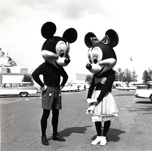 vintage mickey mouse and minnie mouse black and white picture